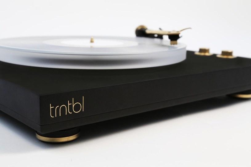 TRNTBL łączy w sobie tradycję słuchania płyt winylowych z nowoczesnymi technologiami /materiały prasowe