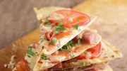 Trójkąciki  z szynką  i pomidorami