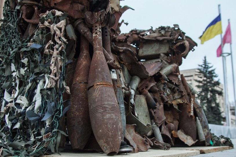 Tron zbudowano z wojennego złomu najróżniejszej postaci i kalibru... /Kateryna Klochko /materiały prasowe