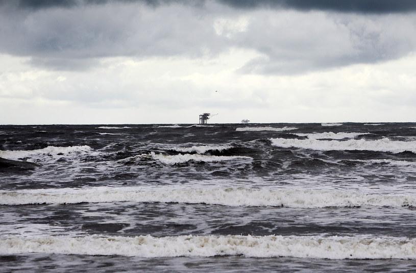 Tropikalny sztorm Karen na szczęście słabnie. /AFP