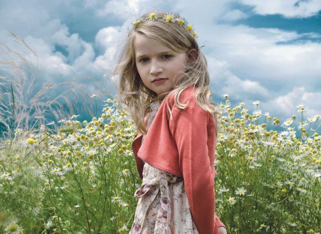 Troska o wygląd dziecka to jeden z przejawów rodzicielskiej miłości /materiały prasowe