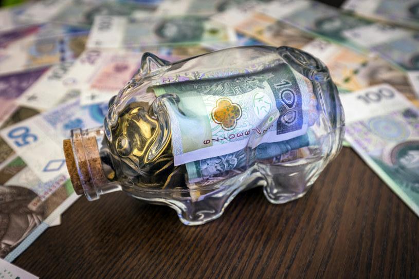 Trudne czasy dla oszczędzających. /Arkadiusz Ziółek /East News