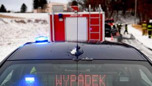 Trudne warunki na drogach. Komenda Główna Policji apeluje do kierowców