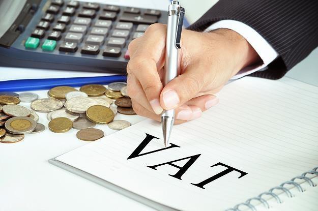 Trudno ocenić, jakie są szanse na obniżkę VAT za trzy lata... /©123RF/PICSEL