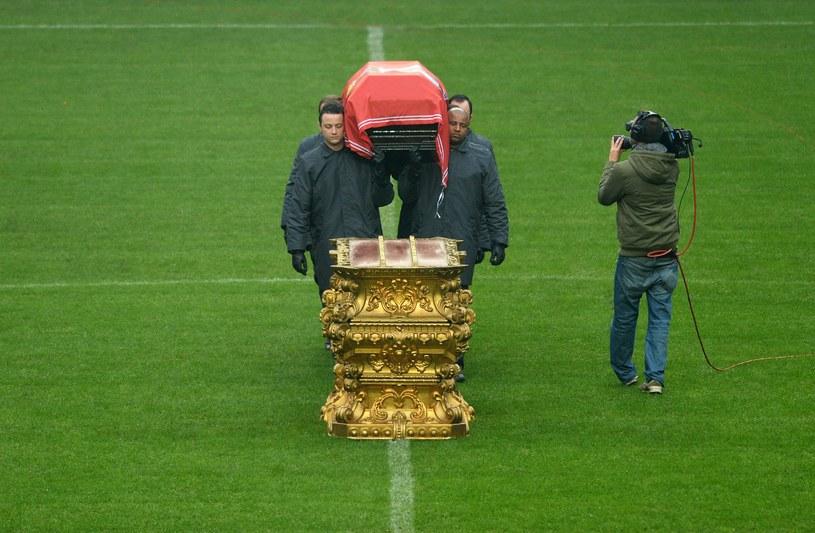 Trumna z ciałem Eusebio została wystawiona na Estadio da Luz /AFP