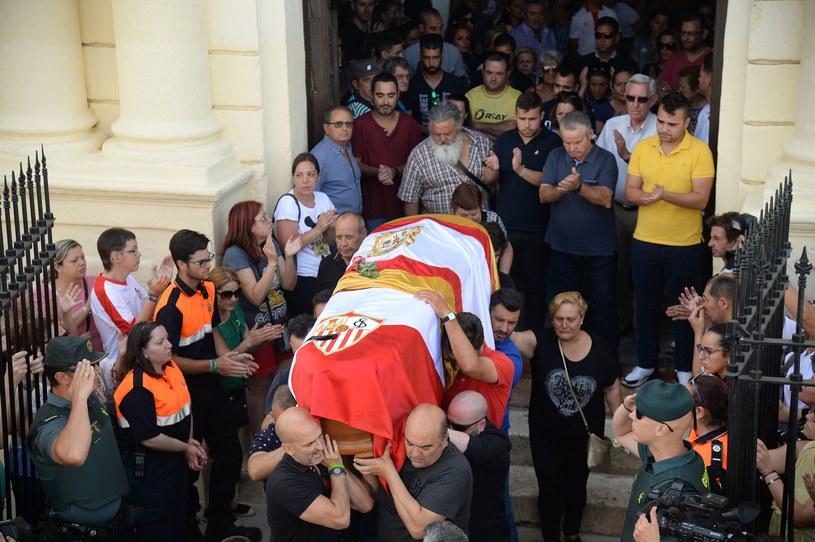 Trumna z ciałem Jose Antonio Reyesa /AFP