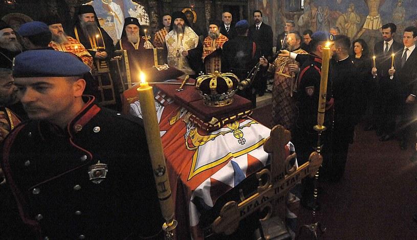 Trumna z ciałem Piotra II Karadziordziewicia /AFP