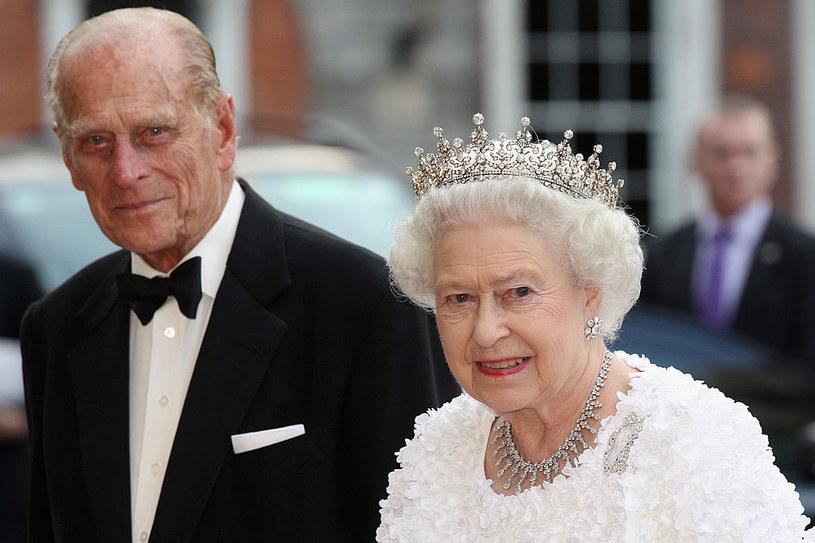 Trumnę z ciałem księcia Filipa będzie wiózł hybrydowy Land Rover /Getty Images