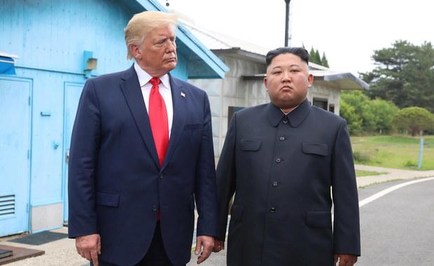 Trump chciał zabrać Kim Dzong Una na pokład Air Force One