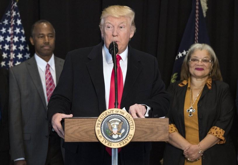 Trump krytycznie oceniany po pierwszym miesiącu urzędowania /PAP/EPA