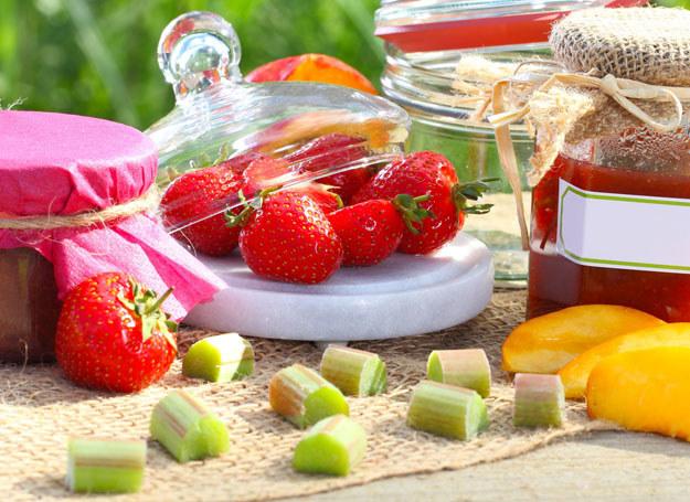 Truskawki to owoce bogate w witaminę C, żelazo, wapń, fosfor, magnez i mangan /123RF/PICSEL