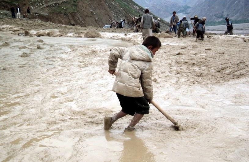 Trwa akcja ratunkowa w Afganistanie /AFP