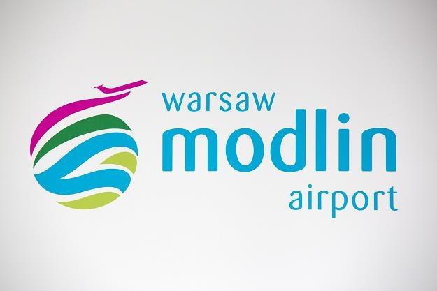 Trwa nabór na prezesa lotniska w Modlinie /fot. Andrzej Hulimka /Reporter