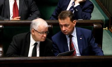 Trwa walka PiS-u z czasem. Chce szybko przeprowadzić przez Sejm podwyżki dla rządu i prezydenta