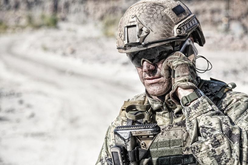 Trwa wojna... na aplikacje /123RF/PICSEL