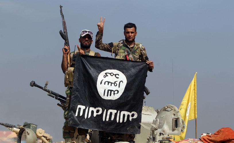 Trwa wojna przeciwko Państwo Islamskiemu /AFP