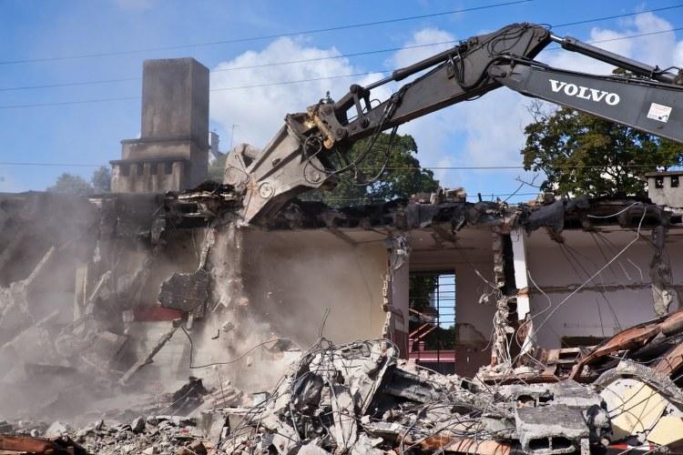 Trwa wyburzanie budynku dwroca /Dariusz Proniewicz /RMF FM