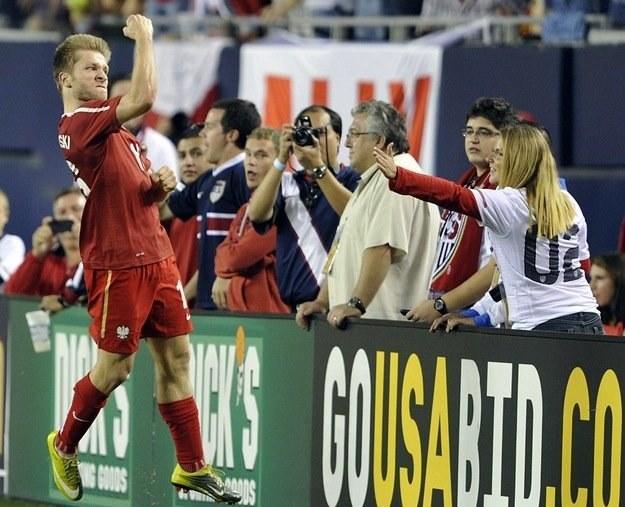 Trwają poszukiwania rywali dla naszej kadry. Na zdjęciu Jakub Błaszczykowski w meczu z USA. /AFP