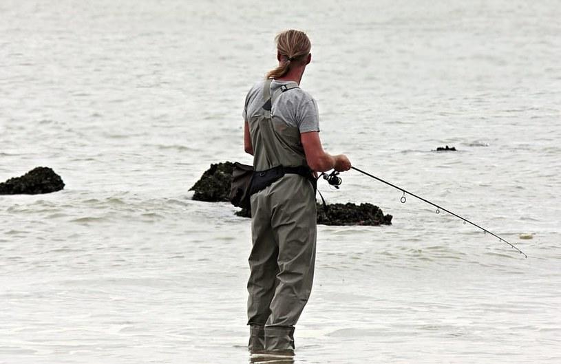 Trwają poszukiwania wędkarza w zalewie w pow. piotrkowskim / zdjęcie ilustracyjne /piqsels /materiał zewnętrzny
