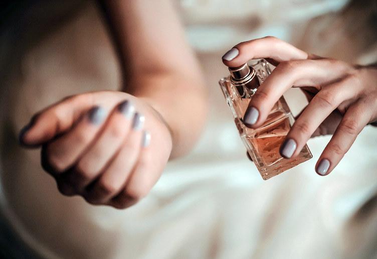 trwałość perfum /© Photogenica