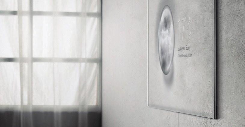 """Tryb Ambient - telewizor """"wtapia"""" się w otoczenie. Możemy zrobić zdjęcie ściany, na której wisi TV smartfonem, zostanie ono przetworzone tak, aby obraz na TV pasował do tła /materiały prasowe"""