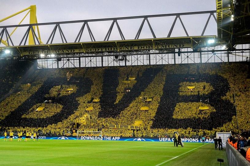 Trybuna południowa na stadionie Signal Iduna Park w Dortmundzie /AFP