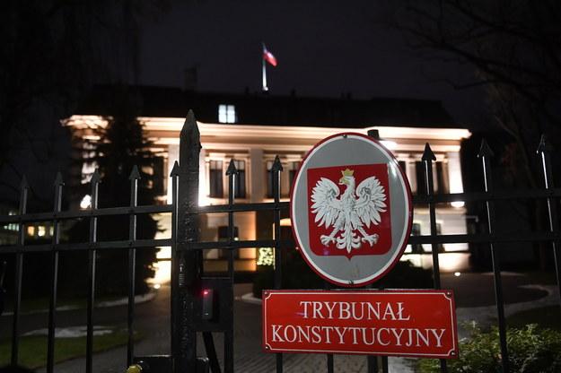 Trybunał Konstytucyjny 27 bm. opublikował uzasadnienie pisemne do wyroku z 22 października  2020 / Radek Pietruszka   /PAP