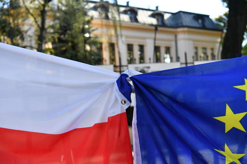 Trybunał Konstytucyjny orzekł, że niektóre zapisy Traktatu o Unii Europejskiej są niezgodne z polską konstytucją /Piotr Nowak /PAP
