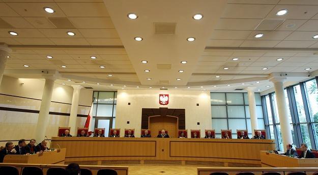 Trybunał Konstytucyjny zbada 75-proc. podatek za niezgłoszenie dochodu do opodatkowania /PAP