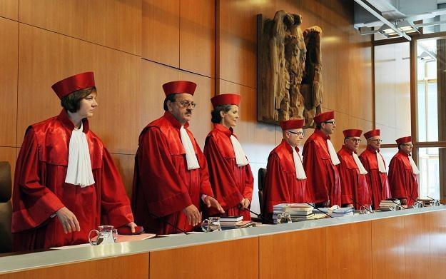 Trybunał w Karlsruhe orzekł, że pakiety ratunkowe dla krajów strefy euro zgodne z konstytucją /AFP