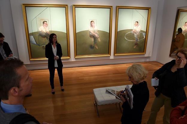 """Tryptyk """"Studies for a Portrait of John Edwards"""" (na zdjęciu) został zlicytowany za 72 mln dolarów /AFP"""
