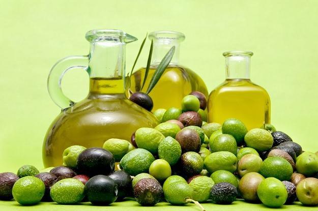 Trzeba bardzo uważać na fałszowaną oliwę z oliwek /©123RF/PICSEL