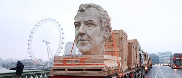 Trzeba przyznać, że rzeźba dość dobrze oddaje fizis Clarksona /Matt Alexander/PA /PAP/EPA