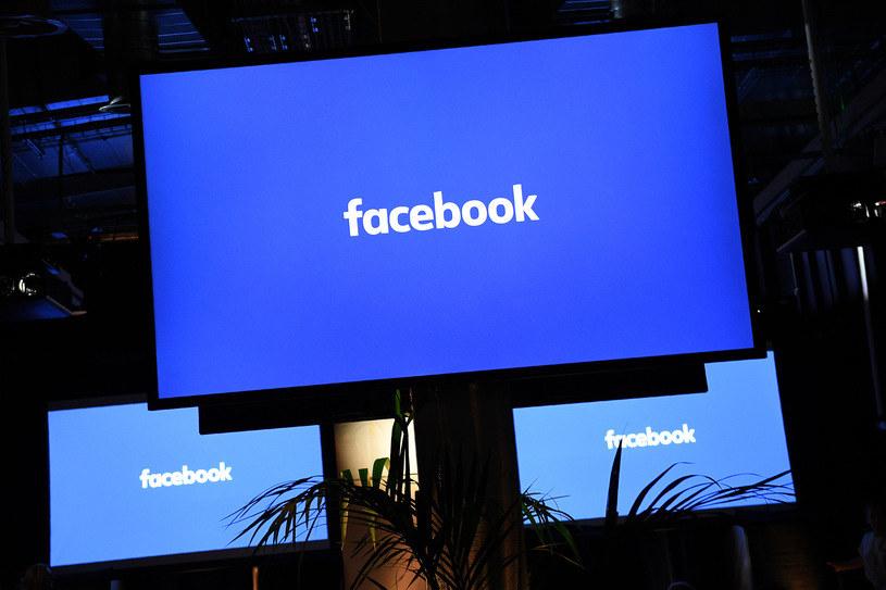 Trzeba regularnie sprawdzać, do jakich danych ma dostęp Facebook /123RF/PICSEL