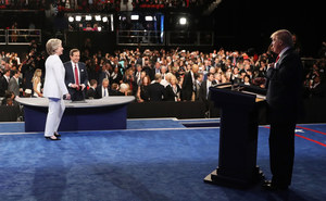 Trzecia debata Clinton-Trump. Programy nad obelgami