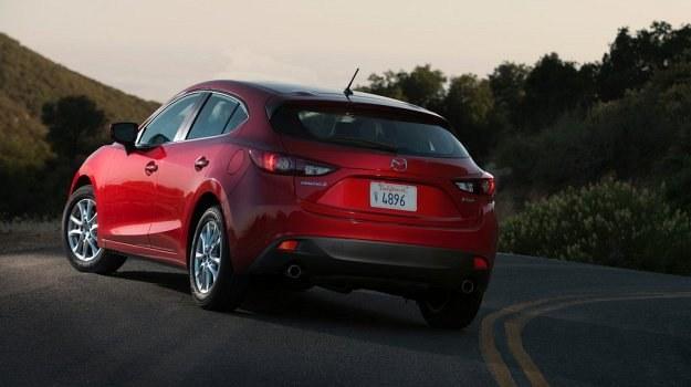 Trzecia generacja Mazdy 3 w wersji hatchback pojawi się w polskich salonach w październiku (sedan - w grudniu). Odmianę 5-drzwiową można już zamawiać. /Mazda