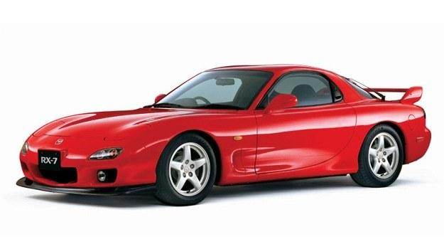 Trzecia generacja Mazdy RX-7 (FD), produkowana w latach 1991-2002. Pod maską - 1,3-litrowy silnik Wankla biturbo o mocy od 240 do 280 KM. /Mazda