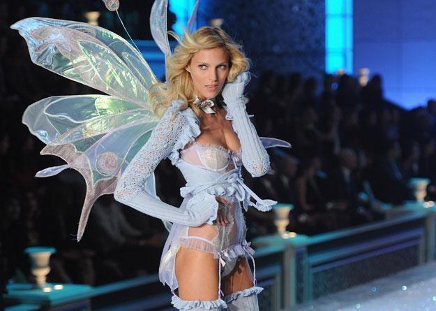Trzecia top modelka świata, muza Karla Lagerfelda, od 13 lat na wybiegu /Getty Images/Flash Press Media