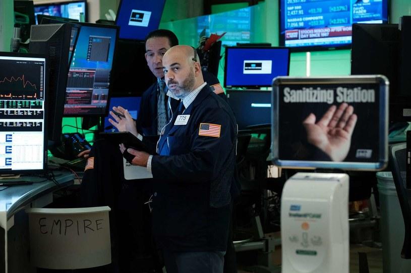 Trzecia z rzędu spadkowa sesja na nowojorskich giełdach /AFP