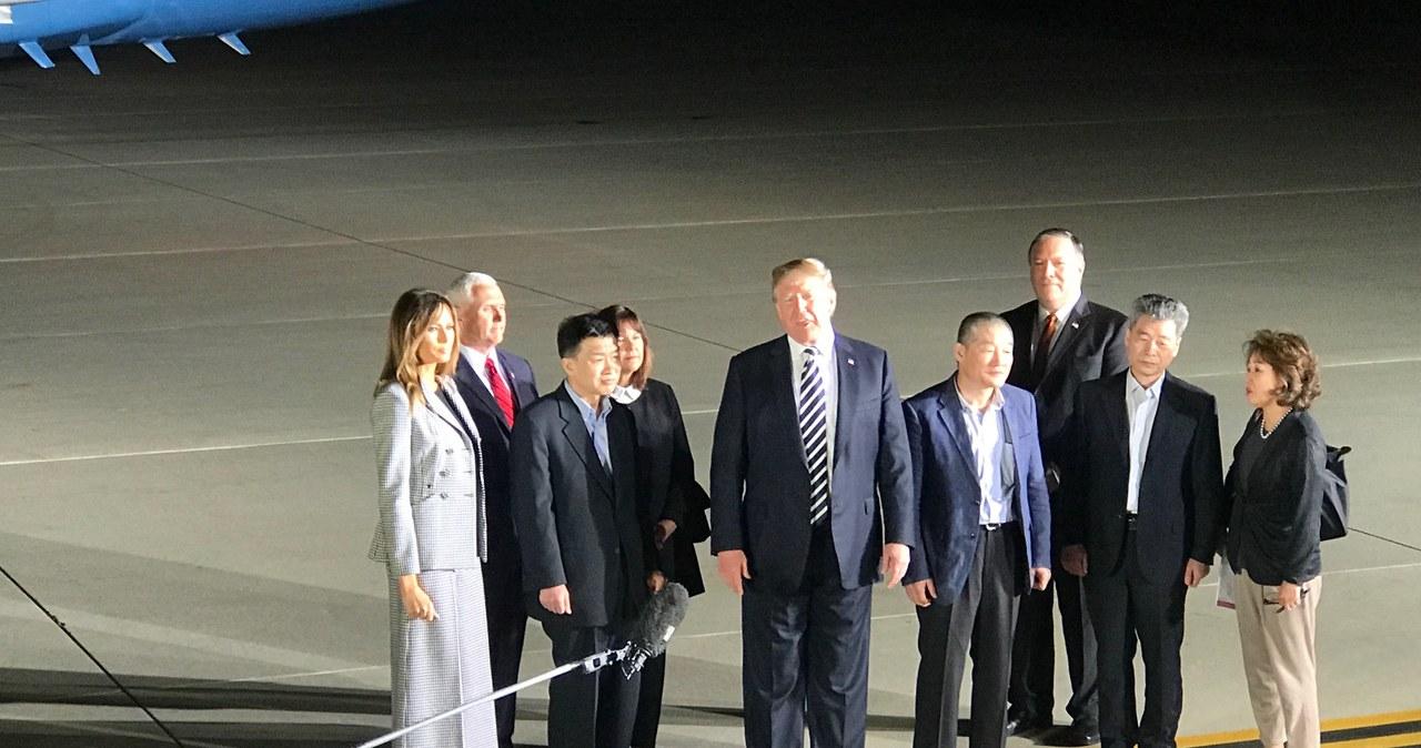 Trzej Amerykanie, uwolnieni z północnokoreańskiego więzienia, są już w Waszyngtonie