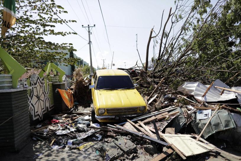 Trzęsienie ziemi i tsunami nawiedziło Indonezję /Mast Irham /PAP/EPA