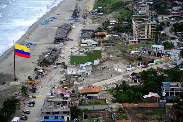 Trzęsienie ziemi o sile 6,7 w skali Richtera nawiedziło w środę północno-zachodnie wybrzeże Ekwadoru /AFP