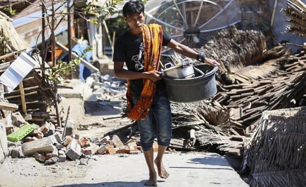 Trzęsienie ziemi w Indonezji. Setki przerażonych turystów czekały na ratunek