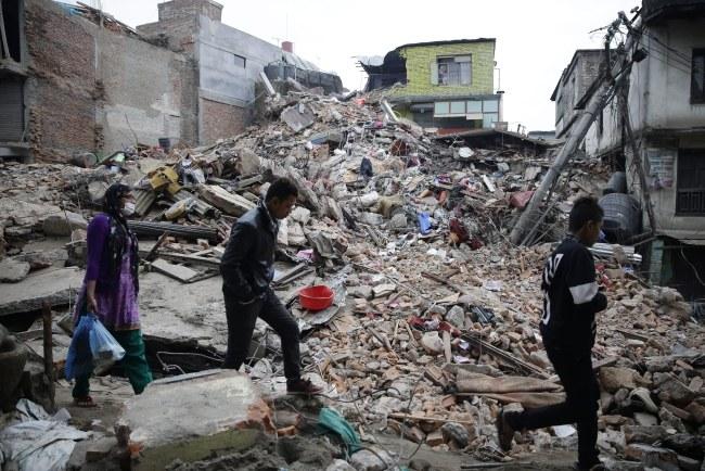 Trzęsienie ziemi w Nepalu było najsilniejsze od 81 lat /Narendra Shrestha /PAP/EPA