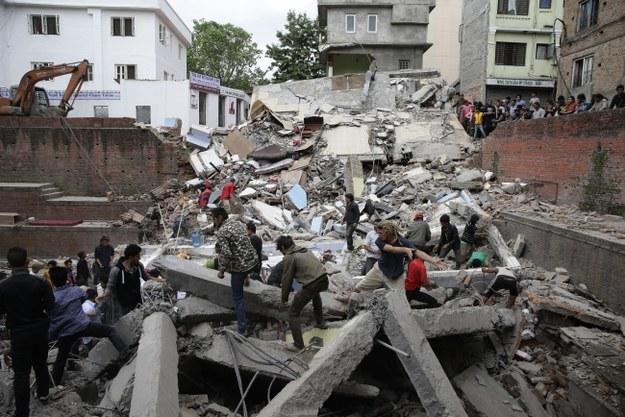 Trzęsienie ziemi w Nepalu. Już ponad 1900 zabitych