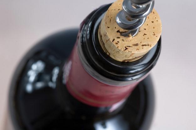Trzy czwarte win importowanych do Polski sprzedawana jest w przedziale cenowym 15-20 zł /© Panthermedia