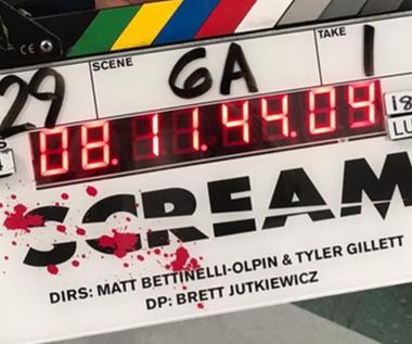 """Trzy osoby z ekipy filmu """"Krzyk 5"""" mają koronawirusa, a mimo to nie przerwano zdjęć"""