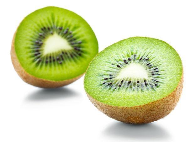 Trzy owoce kiwi dziennie pomogą obniżyć ciśnienie /© Panthermedia