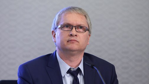 """""""Trzy pytania do…"""", czyli Eryk Łon, członek RPP, o wyzwaniach gospodarczych Polski"""