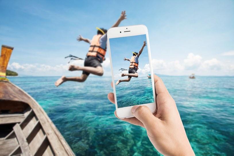 Trzymanie smartfona pionowo? Tylko w wyjątkowych wypadkach! /123RF/PICSEL